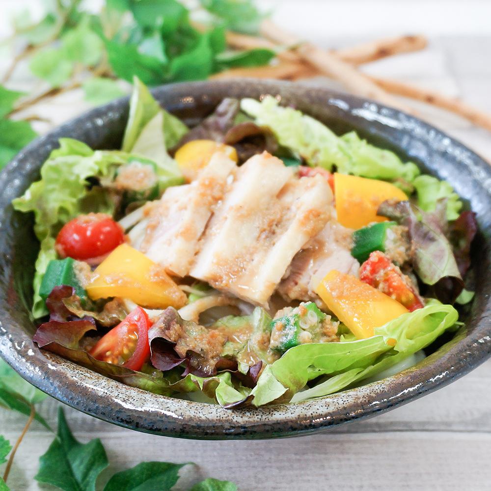 蒸し鳥と夏野菜のヘルシーサラダうどん